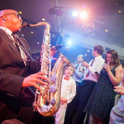 stock-photo-reception-saxophone-1